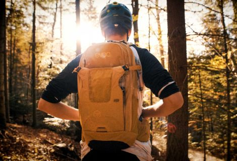 Suitable for touring despite back protector? Evoc NEO 16L backpack in test